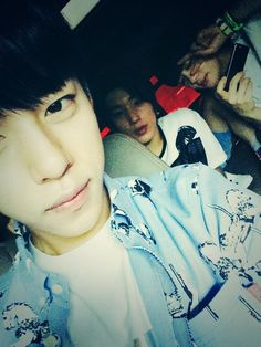 Daehyun's twitter selca with Jongup and Youngjae