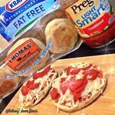 """Clean Pizza Bites""recipe will be on my blog today #iifym #iifymgirls #flexibledieting #macros #fitfluential #fitfoods #foodporn #healthypizza #recipe #bodybuilding #instagramfitness #Padgram"