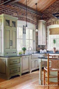Farmhouse Kitchen White Brick Walls 15 Ideas For 2019 Kitchen Interior, Brick Kitchen, Exposed Brick Kitchen, Kitchen Remodel, Kitchen Decor, New Kitchen, Kitchen Dining Room, Home Kitchens, Kitchen Renovation