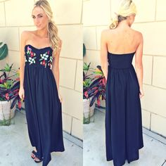 Maxi Monday featuring the paradise embroidered maxi!  Jet set to the islands in this gorgeous strapless number! Maxi ($45) now available online at www.sophieandtrey.com or in store at Tria! #birdsofparadise #islanders #love #gorgeous #maximonday