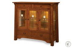 The solid wood construction of our San Rafael Server with Glass Doors allows this beautiful dining room cabinet to be both durable and dainty.