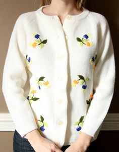 SALE Vintage Embroidered Flowers Cardigan S by Moonhoneyvintage
