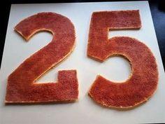 Découvrez comment réaliser très simplement un délicieux Number Cake avec une génoise et une ganache montée chocolat blanc sur Les desserts de Stéphanie! Decorating Tips, Cake Decorating, Number Cakes, Superhero Party, No Bake Cookies, Flan, Macarons, Biscuits, Numbers
