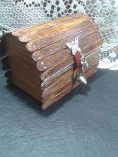 Como hacer un porta anillos cofre,con rollos de papel higienico // Recycled