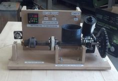 Lyman Filament Extruder - How an 83-Year-Old Inventor Beat the High Cost of 3D Printing