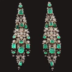 Fine Antique Flower Dangle Earrings, emeralds and diamonds set in silver snd rose gold, 1800s