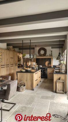 Küche und Esszimmer Tough oak family kitchen, # oak # family kitchen But it is important to r Küchen Design, House Design, Design Trends, Farmhouse Kitchen Island, Kitchen Islands, Home Kitchens, Small Kitchens, Small Space Kitchen, Small Spaces