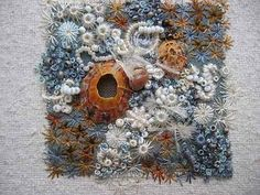 I'd love to do this using the shells with holes picked up on Avoka beach. (Louise Watson - ITCHY FINGERS TEXTILES)