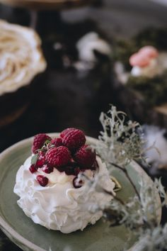 #velvetviseu #viseumaisdoce #viseu #visitviseu #pastelaria #pastry #pastrychef #pastries #fineartcake #unboxcreativity #cakedesign #cakeart #cakelove #creativelifehappylife #cakedesign #cakeart #cakelove #instafood #dessert #cakedecorating #weddingcake #wedding2020 #weddinginspiration #weddingideas #dessert #engaged #bridetobe #bride #groom #birthdaycake #pavlova #pavlovalovers #minipavlova Mini Pavlova, Pastry Chef, Cake Art, Pastries, Bride Groom, Weddingideas, Cake Decorating, Wedding Cakes, Wedding Inspiration