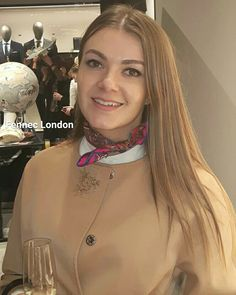 "Gorgeous fashion stylist Rebeca wears a cool Hermes #silk #scarf at Hugo Boss Regent St Tatler event last night. 'I always wear silk scarves around my neck -they are the most elegant accessory""   #hermes #blogger #spring #londoner #fashionstyle #bossbabe #styleblogger #styling #style #lifestyle #stylist #casual #fashionblogger #fashion #foulard #positivevibes #silkscarf #look"