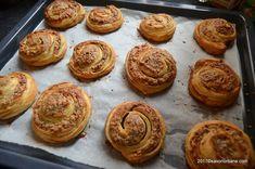 Melcisori cu nuca reteta vieneza | Savori Urbane Dessert Recipes, Desserts, Croissant, Muffin, Breakfast, Food, Tailgate Desserts, Morning Coffee, Deserts