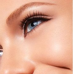 5 minutes in the morning is all you need for a fresh beauty look http://featherstroke.com/makeup-tips-to-look-awake/