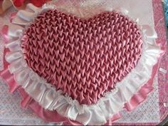 This Pin was discovered by Ири Smocking Tutorial, Smocking Patterns, Sewing Tutorials, Sewing Crafts, Fabric Manipulation Techniques, Canadian Smocking, Diy And Crafts, Arts And Crafts, Diy Cushion