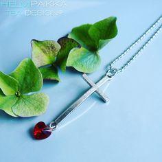 Helmipaikka Oy - Joka päivä on korupäivä - Helmipaikka. Arrow Necklace, Swarovski, Crosses, Jewelry, Jewlery, Bijoux, Jewerly, The Cross, Jewelery