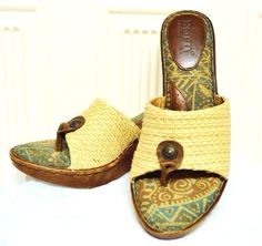 Born Tweet Wedge Thongs Sandals 9/40.5 Brown Green Ivory Cute Tiki Summer Dress #Brn #ThongWedges #Casual