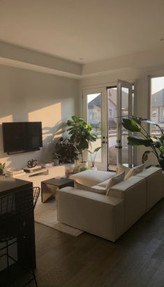 First Apartment, Dream Apartment, Apartment Interior, Home Room Design, Dream Home Design, Home Interior Design, Room Ideas Bedroom, Teen Bedroom, Aesthetic Room Decor