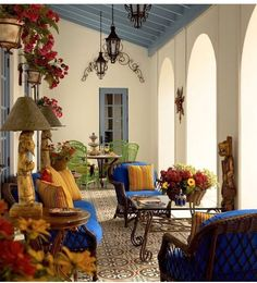 Spanish style homes – Mediterranean Home Decor Mediterranean Living Rooms, Mediterranean Homes, Mediterranean Architecture, Mediterranean Outdoor Decor, Mediterranean Bathroom, Tuscan Homes, Spanish Style Homes, Spanish House, Spanish Revival
