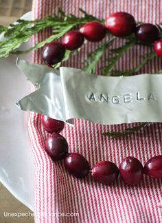 Foil place cards tutorial...a great diy idea to add a personal touch to your Christmas table!