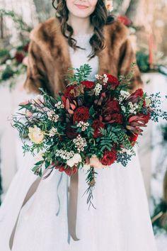 dark red winter wedding bouquet and winter wedding dress - Deer Pearl Flowers