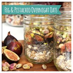 Fig & Pistachio Overnight Oats. These sophisticated overnight oats are so satisfying and filling!