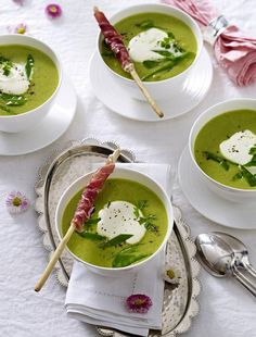 Our popular recipe for Great Family Feast / Pea Cream Soup and over more free recipes on LECKER.de, The post Big family party / fine pea cream soup appeared first on Woman Casual. Soup Appetizers, Appetizer Recipes, Snack Recipes, Healthy Recipes, Free Recipes, Simple Appetizers, Appetizer Party, Delicious Appetizers, Delicious Recipes