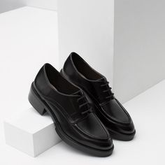 Image 5 of FLAT LACE-UP SHOES from Zara