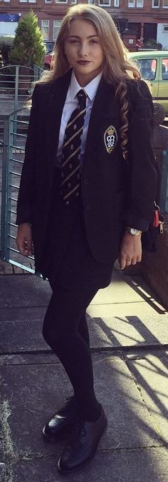 Girl Dressed In Formal School Uniform Girl Dressed In Formal School Uniform Source by rriverarosado. British School Uniform, College Uniform, School Uniform Outfits, Uniform Ideas, School Uniforms, School Fashion, Teen Fashion, School Girl Dress, Schoolgirl Style