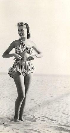 cigarette girl beachwear by carbonated. 40s Mode, Retro Mode, Vintage Mode, Vintage Ladies, Vintage Bathing Suits, Vintage Swimsuits, Vintage Bikini, 1940s Fashion, Vintage Fashion