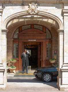 The doorman is always on hand to help you with your luggage, doors and welcome you with warmth