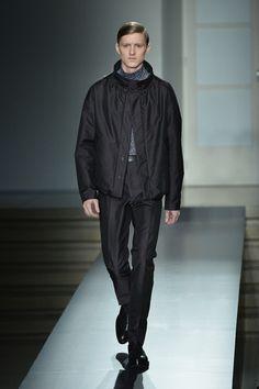 jil sander fashions pics   walks the runway during the Jil Sander show as a part of Milan Fashion ...