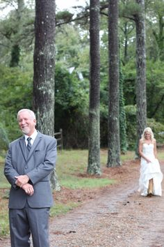 This bride decided to do a first look with her father and it was so precious!