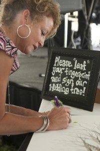 please leaf your fingerprint wedding tree creative guestbook