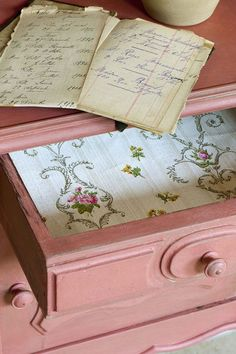 annie sloan painted furniture | pictures are from Annie Sloan website . This side table was painted ...