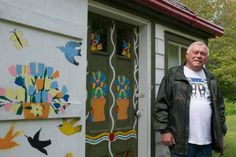 Visitors arrive from the UK and Australia to view the Maud Lewis house replica. Murray Ross stands in front of his Maud Lewis replica house in Digby Neck. Maud Lewis, Canadian Art, Local Attractions, Art World, Art History, Folk Art, United Kingdom, Original Paintings, Australia