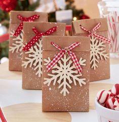 Christmas Treat Bags, Last Minute Christmas Gifts, Homemade Christmas Gifts, Christmas Gift Wrapping, Best Christmas Gifts, Simple Christmas, Xmas Gifts, Craft Gifts, Christmas Holiday