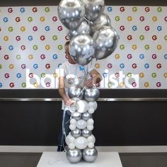 Simple Birthday Decorations, Birthday Balloon Decorations, Diy Party Decorations, Birthday Balloons, Balloon Crafts, Balloon Gift, Balloon Ideas, Balloon Arrangements, Balloon Centerpieces