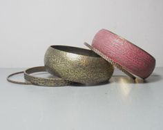 Vintage Set of Bangles/Pink Bangle/Pink by SukiandPolly on Etsy