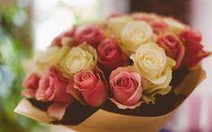 壁紙をダウンロードする バラ, 黄色のバラ, ピンク色のバラ, バラの花束, 花束無料