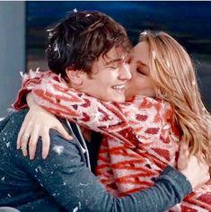 H A P P Y . 🐥 • It is the picture of that moment when YAMAN proposed MIRA to marry him. 💍❤️ #YAMIRA #Yaman #Mira #ÇagatayÚlusöy #SerenaySarikaya #Medcezir #Turkey #Turkish #Istanbul #Couple #CoupleGoals #Lover #Aśkim #Love #Ašk #Eylül #Mert #Pinterest Turkish Men, Turkish Beauty, Turkish Actors, Wedding Couple Photos, Wedding Couples, That Moment When, Cute Actors, Couple Goals, Proposal
