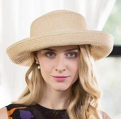 Roll brim straw hat with bow decoration for women UV protection sun hats