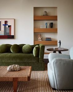 Mid Century Modern Living Room, Living Room Modern, Living Room Interior, Home And Living, Living Room Decor, Living Spaces, Living Rooms, Living Room Ideas Velvet, Kitchen Living