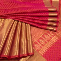 Magenta Handwoven Jacquard Kanjivaram Silk Saree 10009649 - profile - AVISHYA.COM