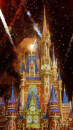 Enjoy the best seat in the house, right from your house, for one of our most exciting Walt Disney World Resort shows.Happily Ever After. Watch as the castle becomes a magical canvas and the skies are filled with pixie dust. Magic Kingdom Fireworks, Disney Fireworks, Disney World Resorts, Walt Disney World, Disney Land, Disney Disney, Disney Stuff, Disney Princess, Orlando Florida