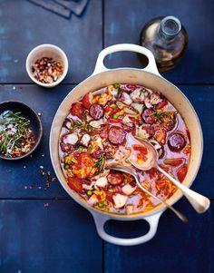 Recette plat familial original : Cocotte de poulpe aux herbes, riz et chorizo ! Une idée recette idéale et très facile à faire.