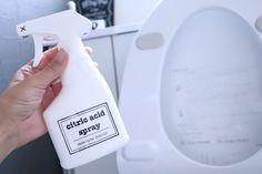 しつこい尿石もコレで落ちます!トイレ掃除で大活躍のアイテム紹介! LIMIA (リミア)