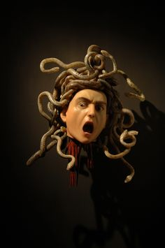 One of my favorites that we learned about in art history. He's insane . Medusa by caravaggio Baroque Painting, Baroque Art, Medusa Painting, Italian Painters, Italian Artist, Michelangelo Caravaggio, Tableaux Vivants, Foto Art, Chiaroscuro