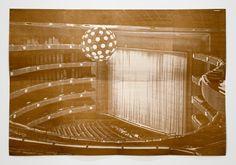 Lorna Simpson / curtain, 2011