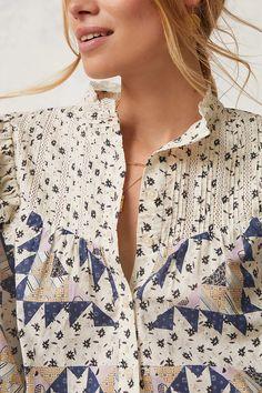 50 Fashion, Fashion Looks, Fashion Trends, Traditional Fashion, Eyelet Lace, Jacket Style, Capsule Wardrobe, Classic Style, Floral Tops