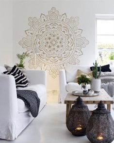 Mandala wall stencils DIY for home of work place decor. Mandala Ibiza wall stencils to pimp your home, garden, office, shop, restaurant or club! Mandala Mural, Mandala Stencils, Ibiza Style Interior, Home And Living, Living Room, Wall Decor, Room Decor, Sweet Home, Decoration