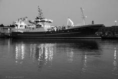 09-01-2015 Fishing trawler BW